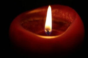 candle-218699_640